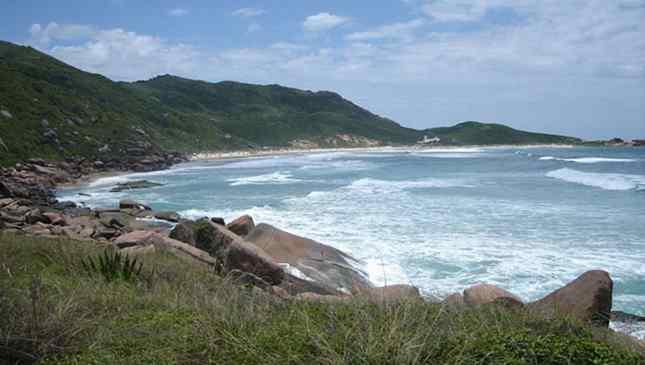 melhores praias de nudismo do Brasil