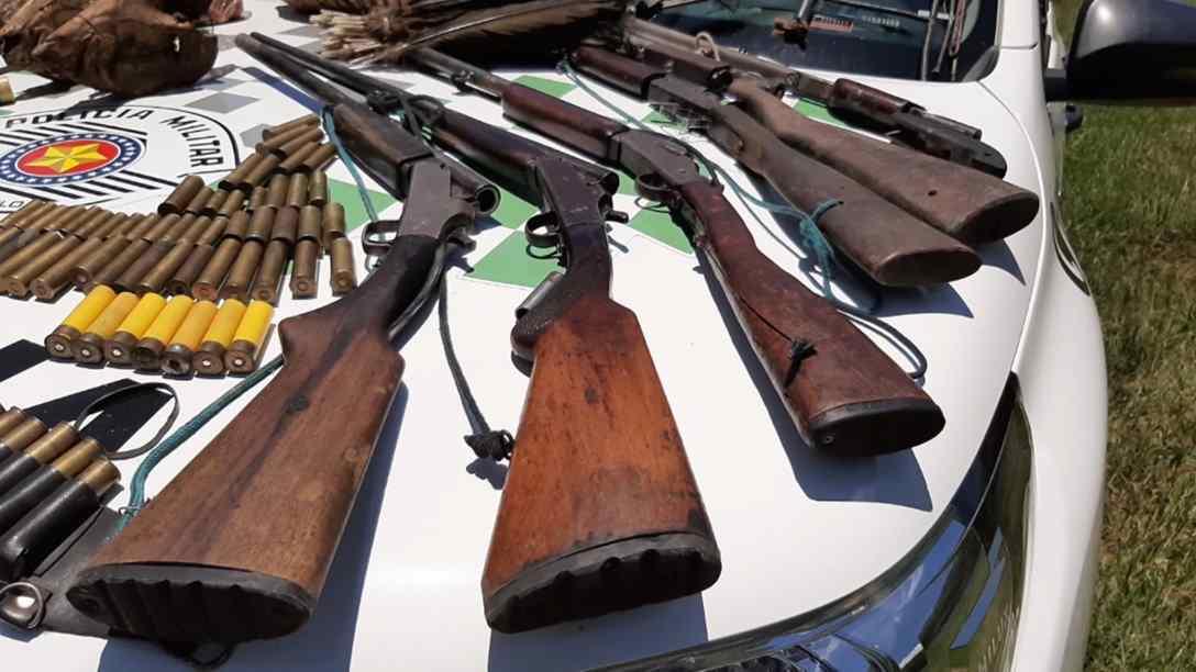 polícia ambiental apreende armas