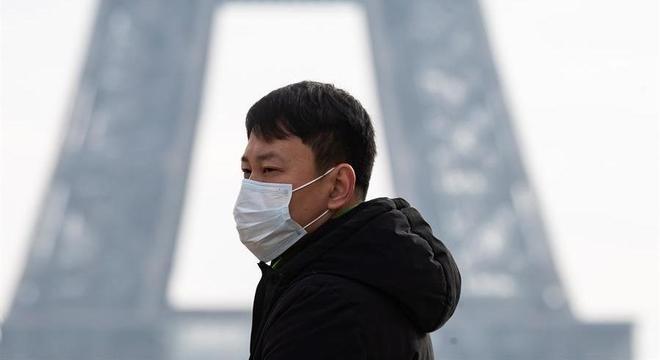 Casos de novo coronavírus se espalham pelo mundo