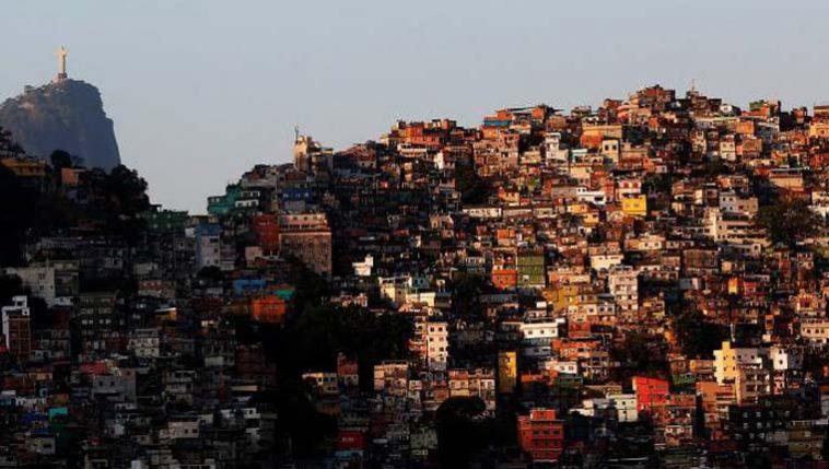 Toque de recolher em favelas