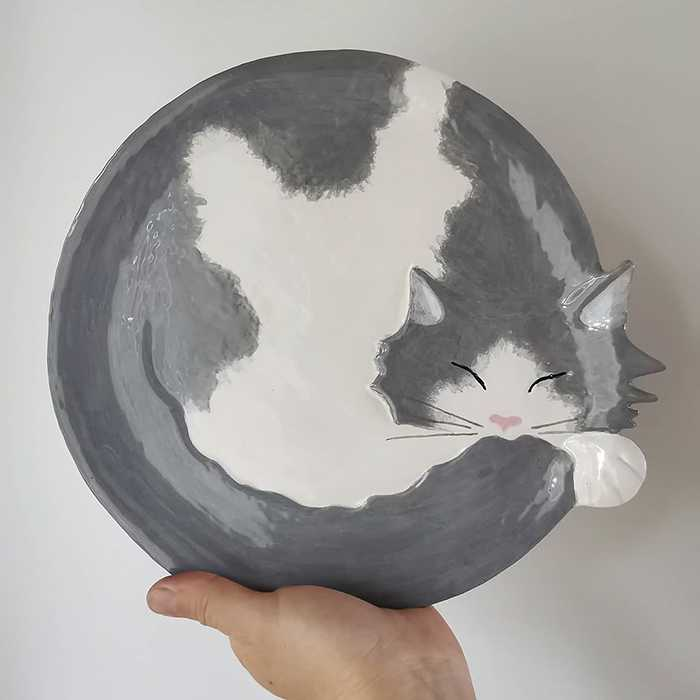 Pratos de cerâmica em formato de gatinhos lindos