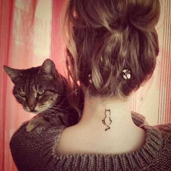tatuagens minimalistas de gatinhos foto