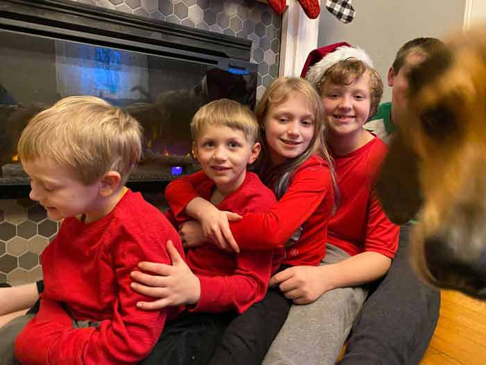 Cachorro-estraga-todas-as-fotos-de-Natal-da-família