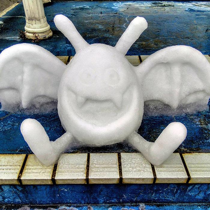 pokemon escultura neve